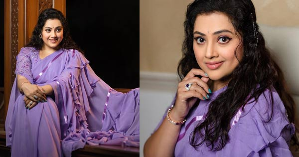 Actress Meena With Daughter